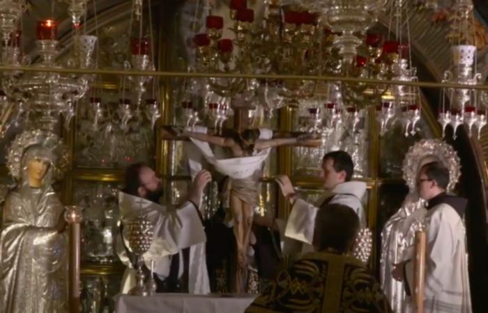 Office des funérailles du Christ, le 15 avril 2020, au Saint-Sépulcre. Capture d'écran de la vidéo réalisée par le Christian media center
