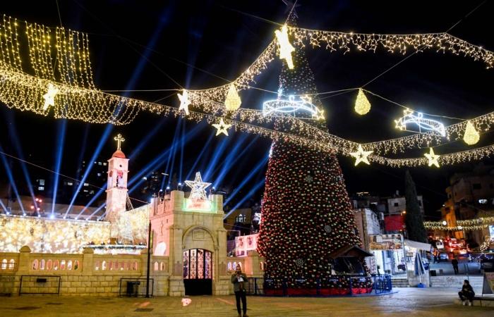 Décorations de Noël à Nazareth. 13 décembre 2020. Flash90