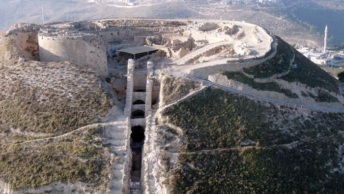 Vue aérienne de l'escalier monumental qui conduisait au palais d'Hérode © Yuval Daks