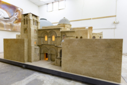 Une maquette à l'échelle 1/25e de l'église du Saint-Sépulcre est en vente à Jérusalem