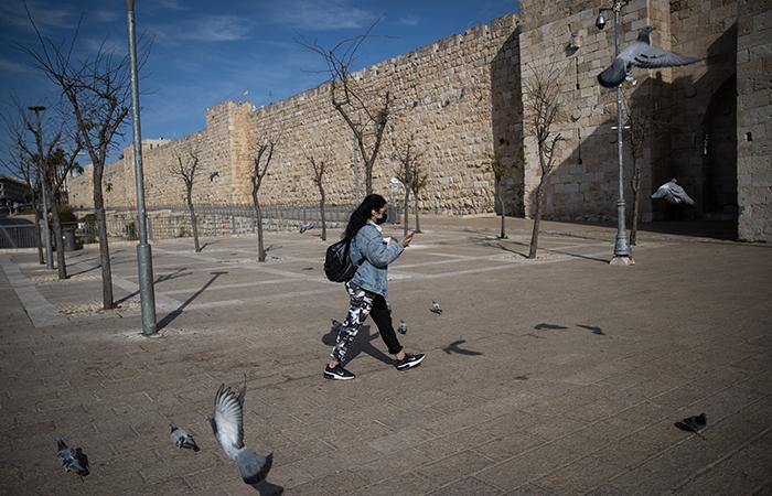 Israël débute son troisième confinement et accélère sur la vaccination