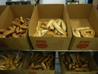 Le pain levé donne du grain à moudre aux laïcs et religieux