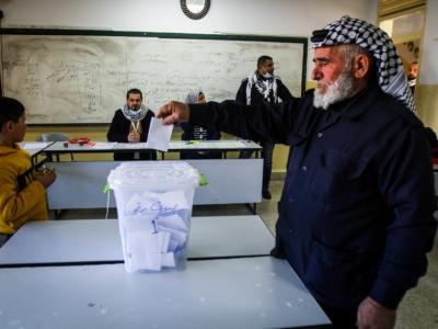 """Élections palestiniennes : """"Il est illusoire de penser qu'il y aura un renouveau démocratique"""""""