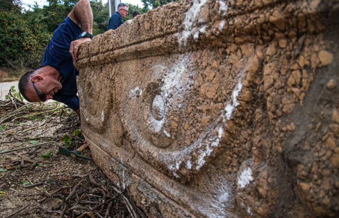 Les sarcophages sont en pierre locale, rosée, probablement issue des collines de Judée ou de Samarie. Photo : Yoli Schwartz Israel Antiquities Authority