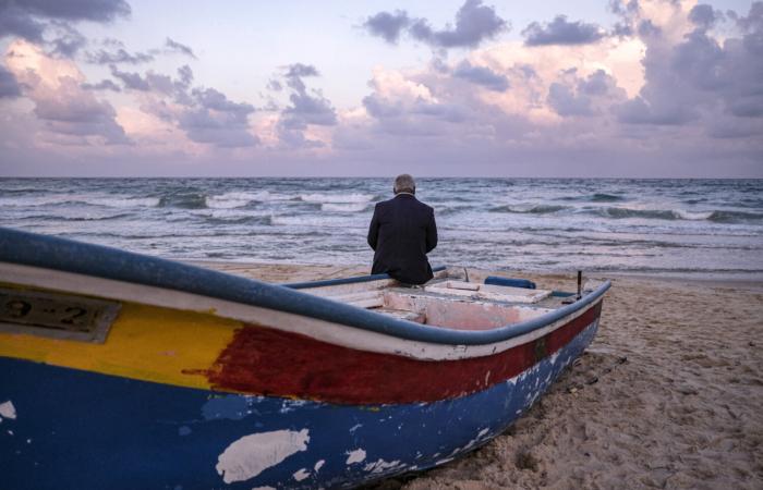 Face à la mer, au petit matin. April 10, 2020. ©Fatima Shbair
