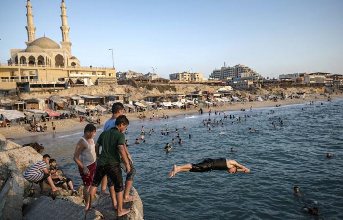 La jeunesse palestinienne profite de la mer Aug 3, 2019. ©Fatima Shbair