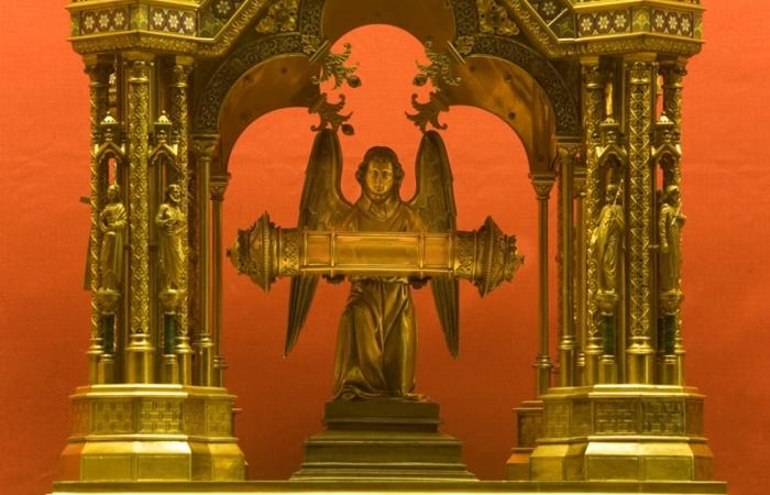 Reliques du sang du Christ dans la basilique de Neuvy Saint Sépulchre. © Hellio et Van Ingen