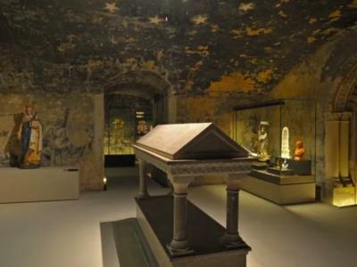 Une réplique du tombeau du croisé Godefroy de Bouillon à Boulogne-sur-Mer