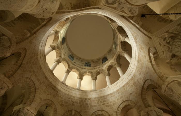 Au coeur de la rotonde, similaire à celle de la basilique du Saint-Sépulcre à Jérusalem ©Les amis de la Basilique