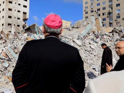 """Le Patriarche de Jérusalem en visite pastorale à Gaza : """"Ne perdez pas courage et espoir""""."""