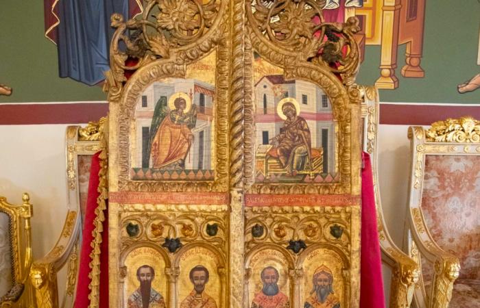 Deux sublimes portes d'une église du XVIIIe remises à Chypre