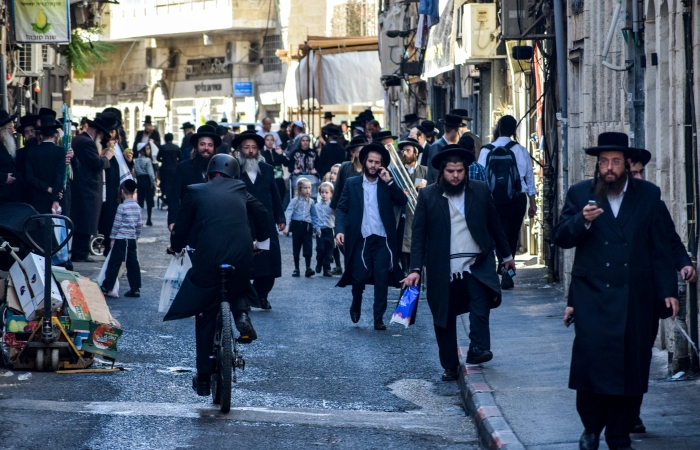 Mea Shearim street, cœur battant du quartier juif ultra-orthodoxe de Jérusalem ©Cécile Lemoine/TSM